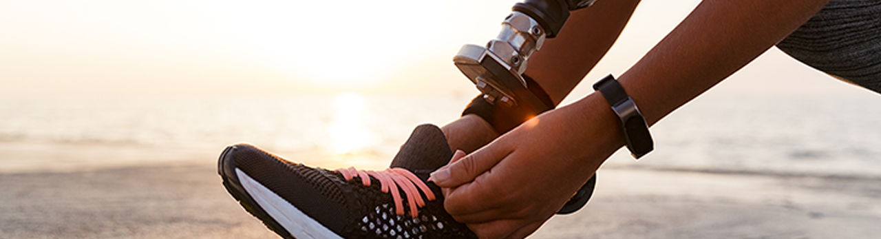 close-up-of-athlete-woman-with-prosthetic-leg