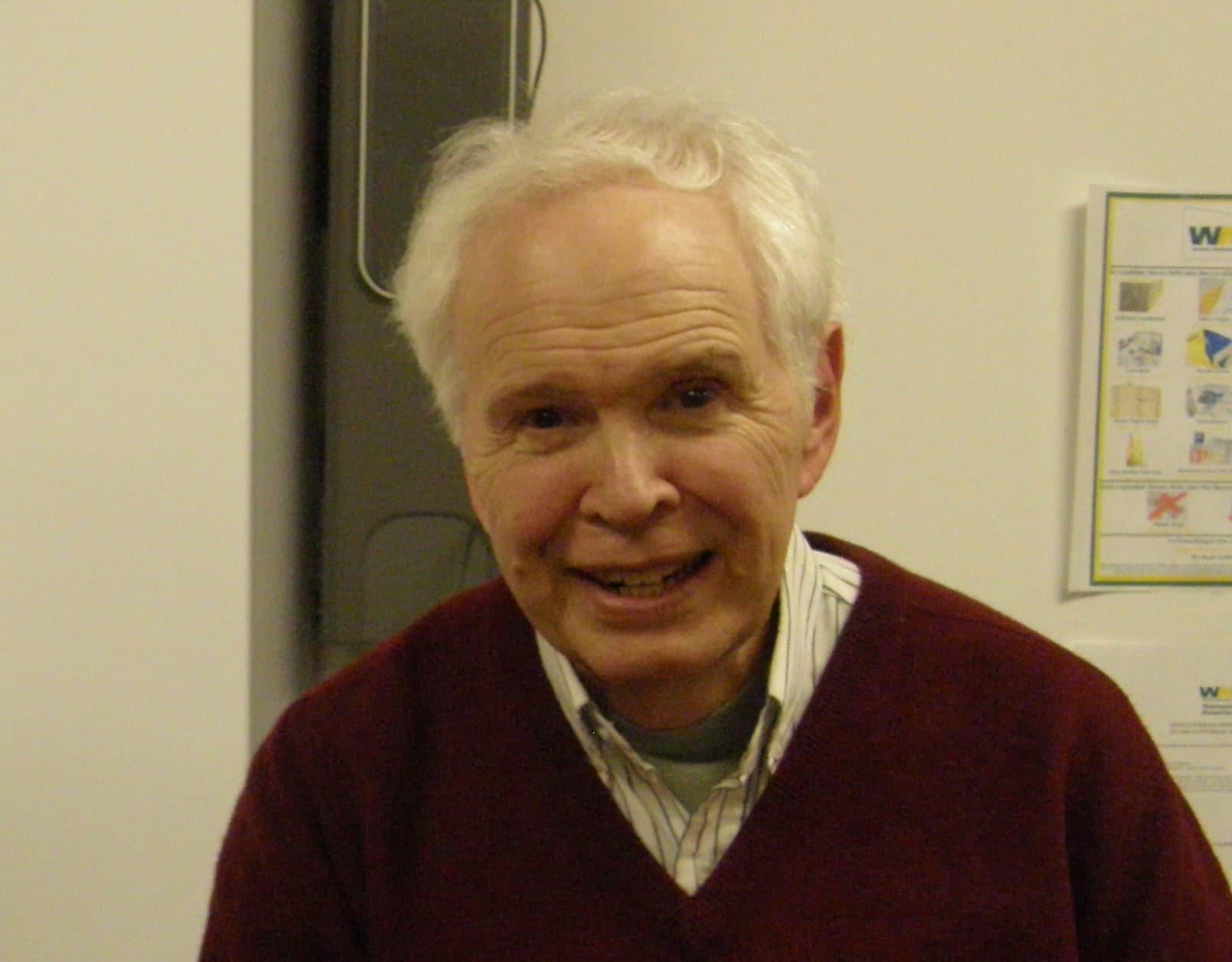 Peter deLeon
